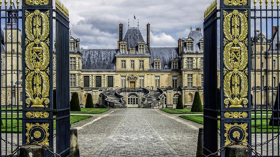 Замок Фонтенбло, Франция
